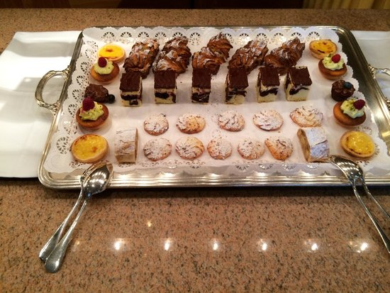 Beausite Park Hotel: Dessert Buffett