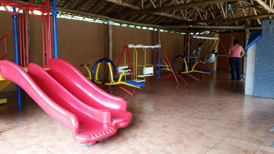 Mi Viejo Ranchito: Play ground