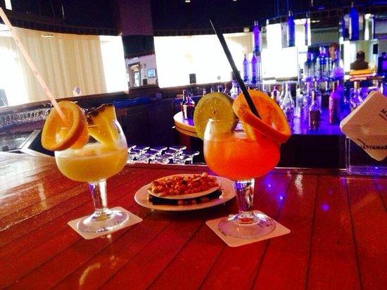 Melia Tamarindos: bar de l'hôtel
