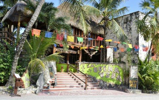 La Buena Vida Restaurant: Front