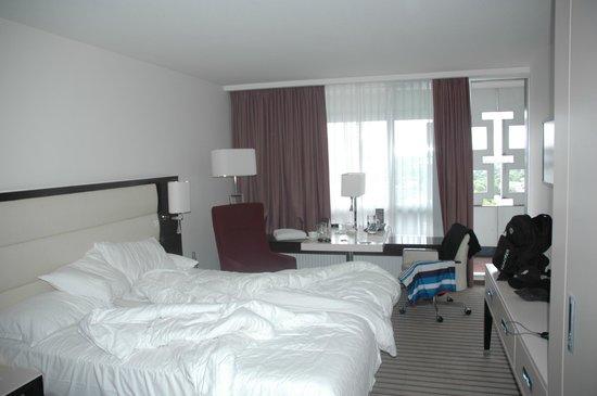 Sheraton München Arabellapark Hotel: Regular room