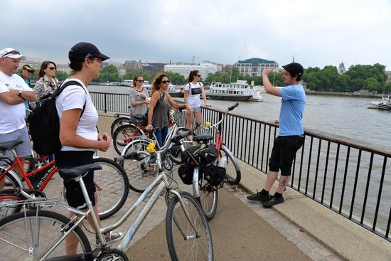 Fat Tire Bike Tours - London: TOUR GUIDE ON THE THAMES