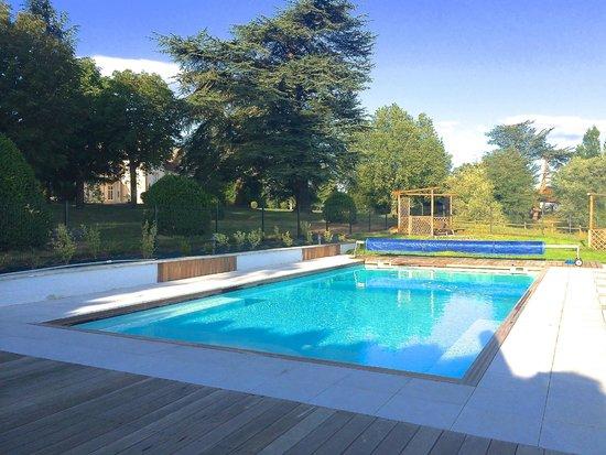Domaine des Grands Cèdres : Espace piscine