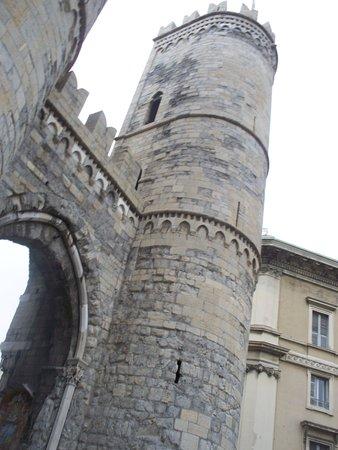 Torri di Porta Soprana: esterno
