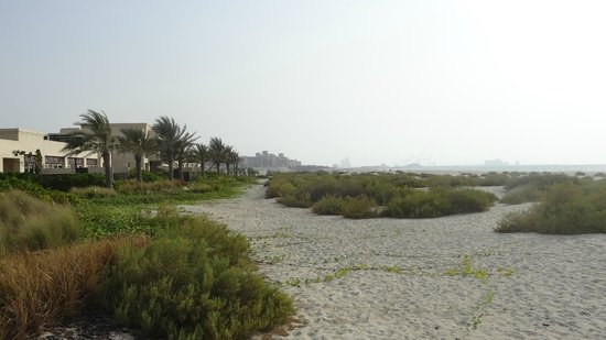 Park Hyatt Abu Dhabi Hotel & Villas: Strandumgebung