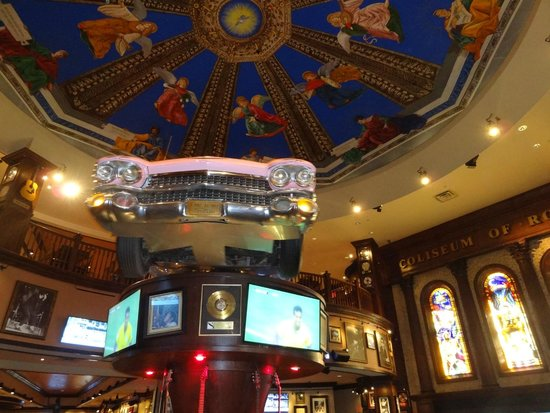 Hard Rock Cafe: The bar