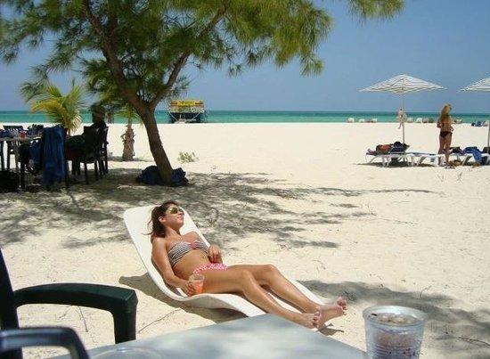 Isla Pasión: Sunbathing on the island.