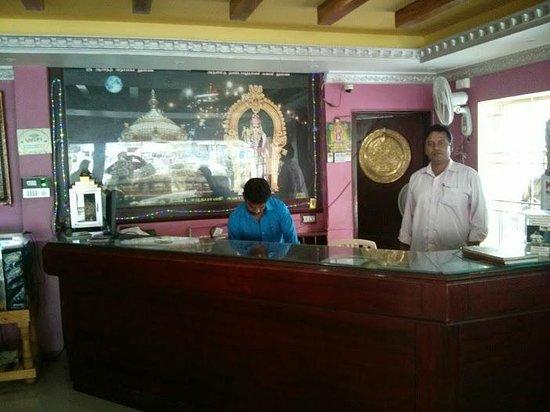 Hotel Ganpat: Reception Counter