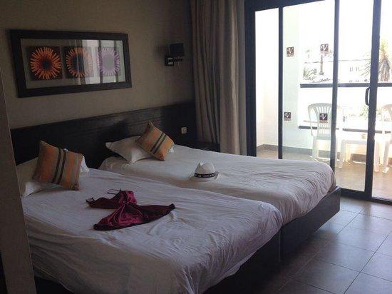 Vincci Nozha Beach Resort: Chambre avec balcon