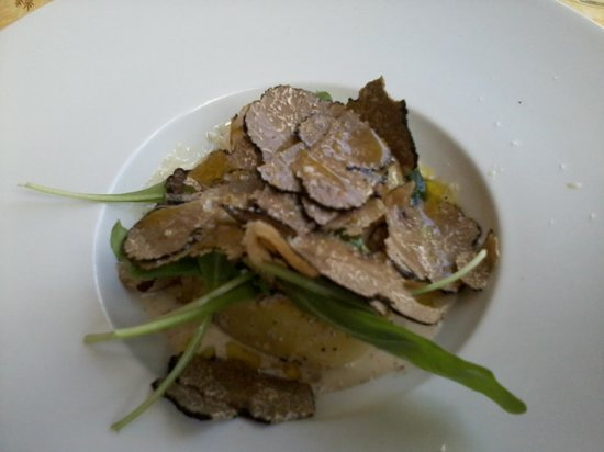 La Farigoulette: potatoe and summer truffle