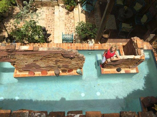 The Gallery Inn: Pool & Courtyard