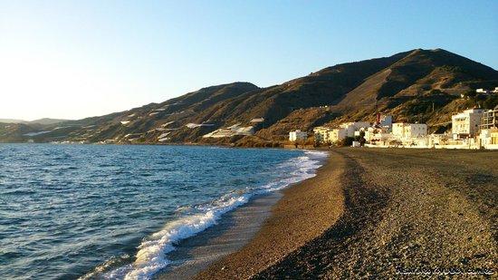 Sorvilan, Spain: Playa de la Costa Tropical, tranquila y familiar