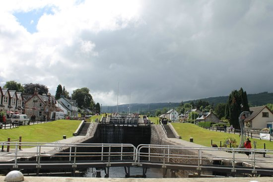 Fort Augustus: Dighe