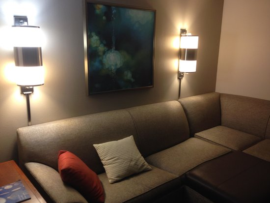 Hyatt Place Fair Lawn Paramus: Our room - pull out couch