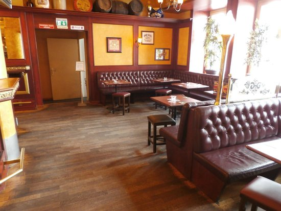 Booths Picture Of Lady Hamiltons Pub Zurich Tripadvisor