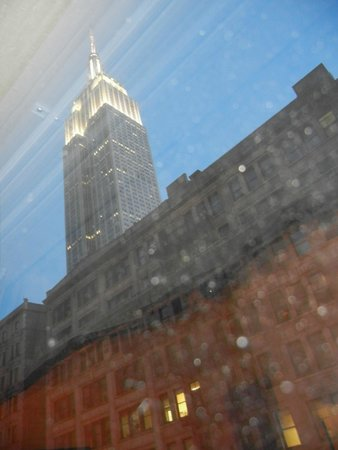 Hampton Inn Manhattan-35th St/Empire State Bldg: zicht vanuit de kamer op het achtste
