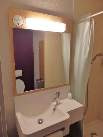 B&B Hotel Grenoble Centre Alpexpo: Le lavabo.
