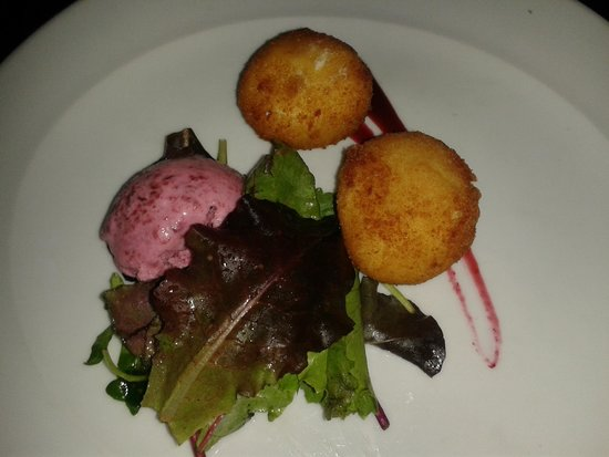 Beach House: Totally delicious goats cheese balls with beetroot sorbet