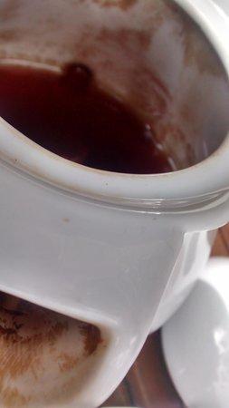 Cotswold garden tearooms: tanin the teapot