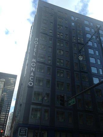Kimpton Hotel Monaco Chicago : Side view of hotel
