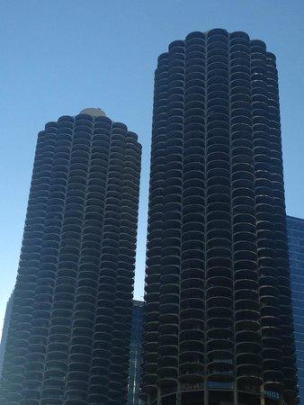 Kimpton Hotel Monaco Chicago : View across the river #1