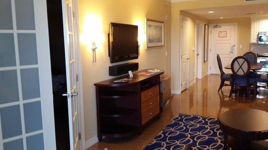 Parc Soleil by Hilton Grand Vacations : sala do quarto