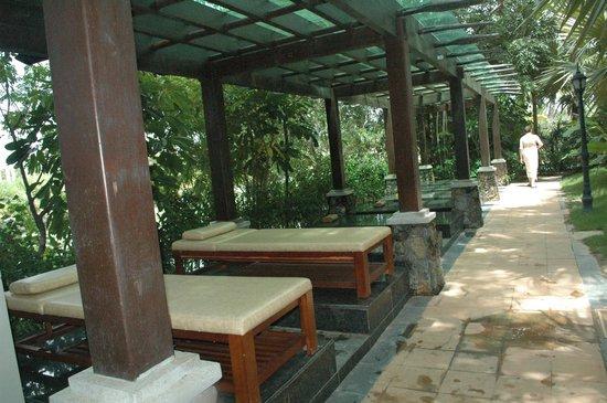 Sanya, China: получить массаж можно прямо на месте