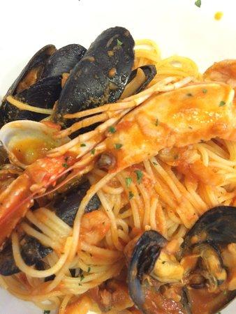 Ristorante Pizzeria Nastro Azzurro: Spaghetti allo scoglio