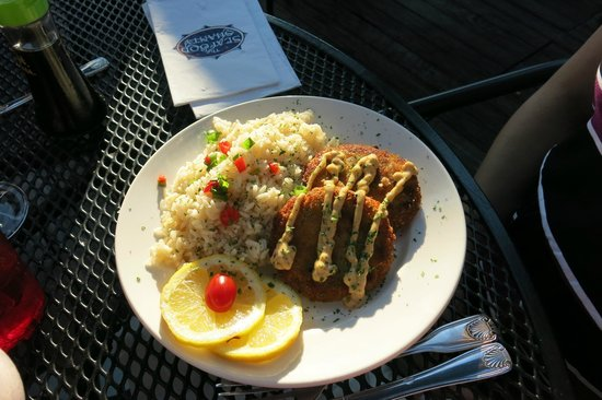 Seafood Shanty : Crab Cakes