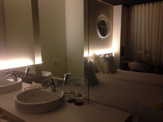 Barcelo Sants: hotel room!