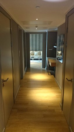 Cheval Three Quays: In Room