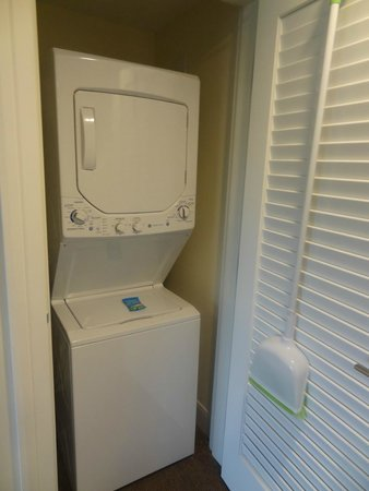 Kings' Land by Hilton Grand Vacations : Washer/dryer in your own room.
