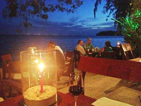 Nikitas Beach Restaurant : Romantic dinner at Nikitas