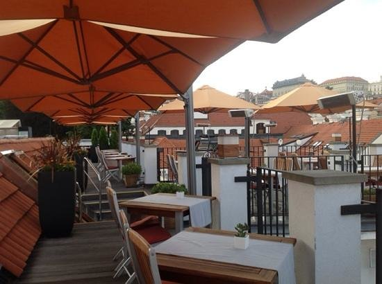 Aria Hotel Prague by Library Hotel Collection: terraza