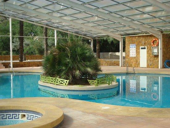 Centro Vacacional Macenas: espace piscine et équipement pour remise en forme