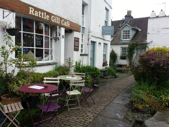 Rattle Gill Cafe: lovely outdoor space