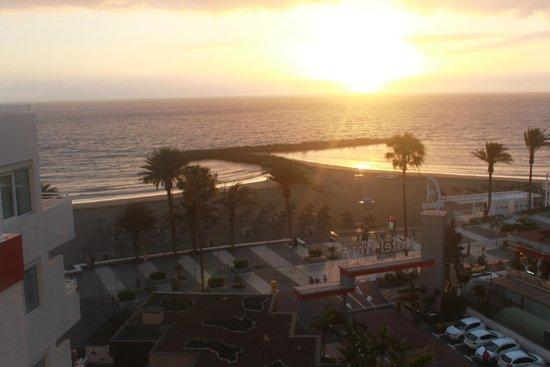 Hotel Troya: Vistas a la playa
