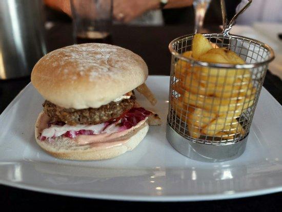 The New Yorker Restaurant: Gourmet burger 🍔, very tasty