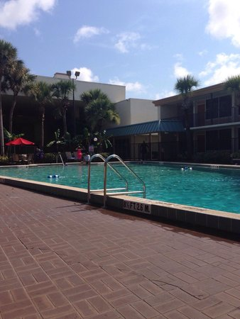 Ramada Kissimmee Gateway: The one pool