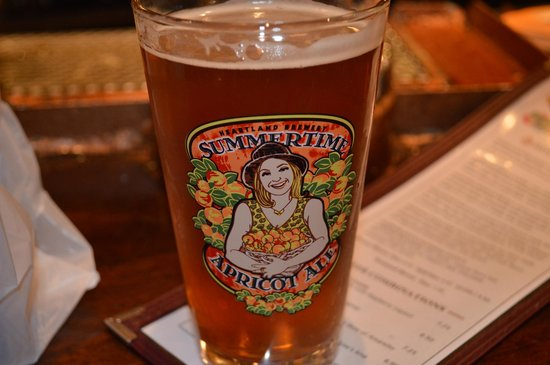 Heartland Brewery Chophouse : Apricot beer