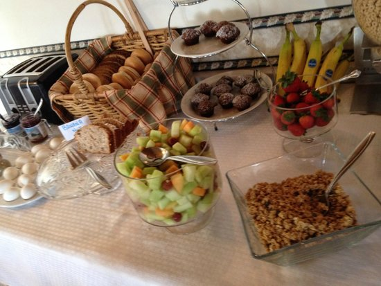 Old Orchard Beach Inn: Part of the delicious breakfast.