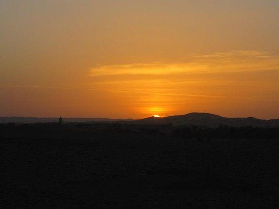 Explore Sahara Tours: san rise