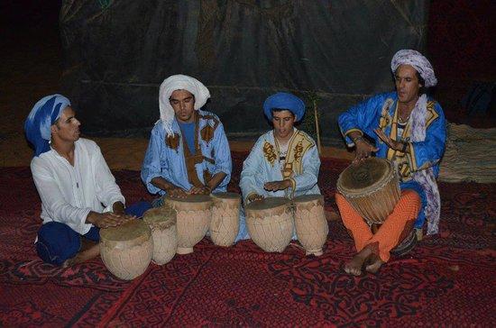 Explore Sahara Tours: berber group music