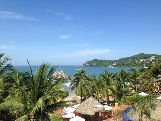 Club Intrawest - Zihuatanejo: Club Intrawest - overlooking the bay from my balcony