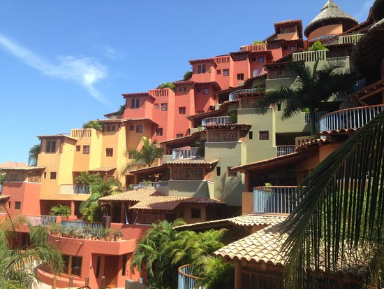 Embarc Zihuatanejo: Club Intrawest - the other rooms from my balcony