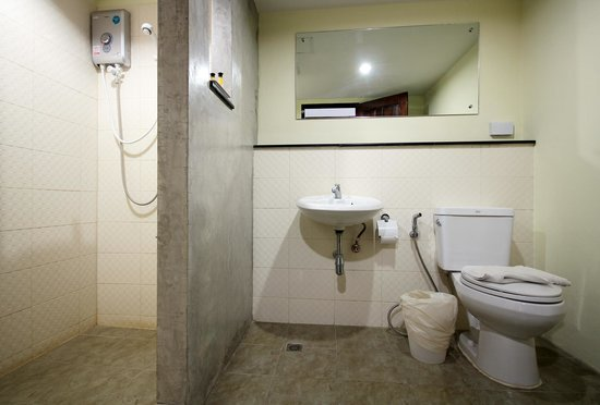 Airport Resident 2 : Bathroom of the Deluxe room