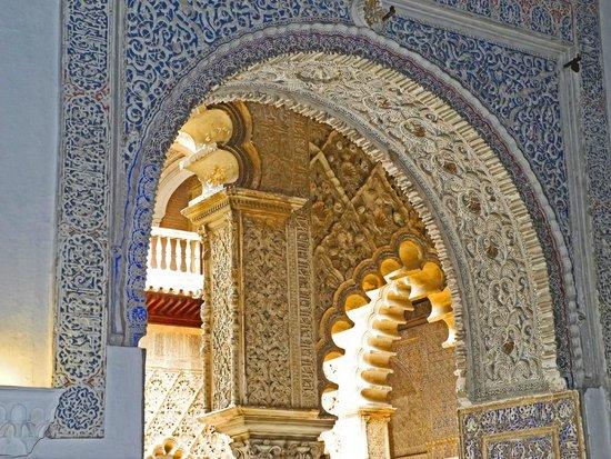 Real Alcázar: Soviel herrliche Durchgänge