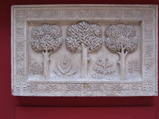 Cite de l'Architecture et du Patrimoine : Cast of a plaque of trees
