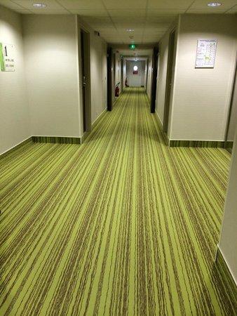 Hotel Arena Grenoble : Hallway