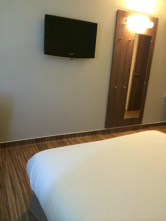 Hotel Arena Grenoble : Chambre 107